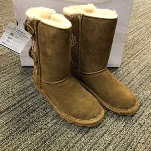 Brand new Bearpaw Boots